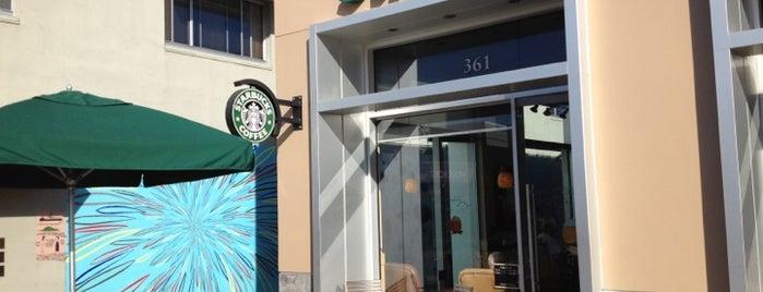 Starbucks is one of selin'in Beğendiği Mekanlar.