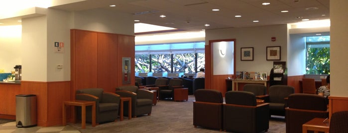 American Airlines Admirals Club is one of Tempat yang Disukai Mark.