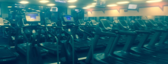 24 Hour Fitness is one of Posti che sono piaciuti a On Your.