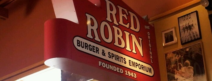Red Robin Gourmet Burgers and Brews is one of Alanさんのお気に入りスポット.