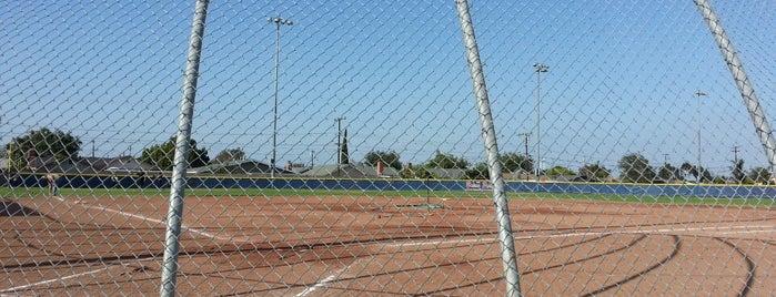 San Antonio Park is one of สถานที่ที่ Shamika ถูกใจ.