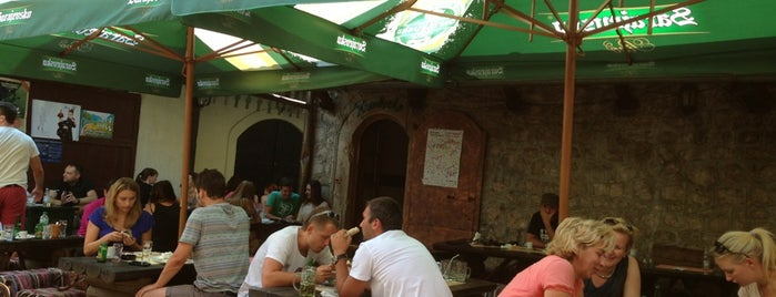 Barhana Restaurant & Grapperia is one of Saraybosna.