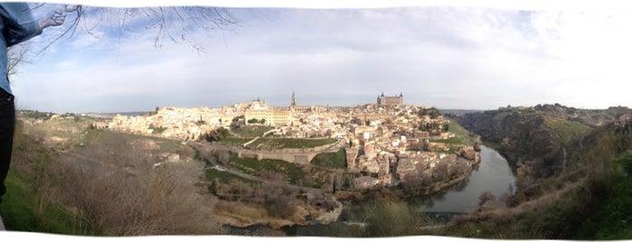 Toledo is one of Escenarios de la novela TIERRA SIN REY.