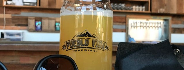 Pueblo Vida Brewing Company is one of Lugares favoritos de Armando.