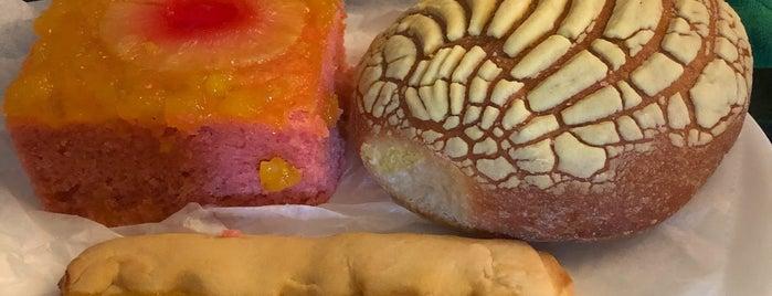 La Nueva Union Bakery is one of Posti che sono piaciuti a Carlos.