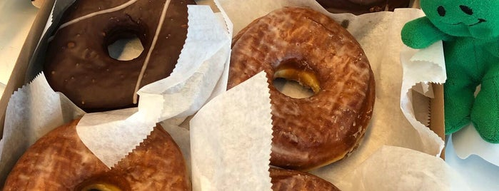 Doughnut Plant is one of Karenさんのお気に入りスポット.