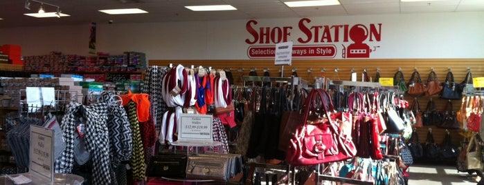 Shoe Station is one of Locais curtidos por Daron.