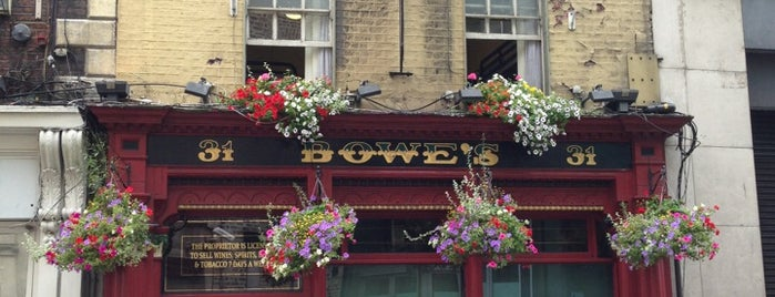 Bowe's Lounge is one of UK and Ireland bar/pub.