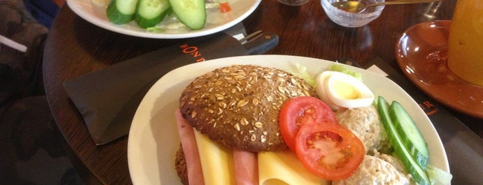 Brasserie Bonheur is one of Tempat yang Disukai Wendy.
