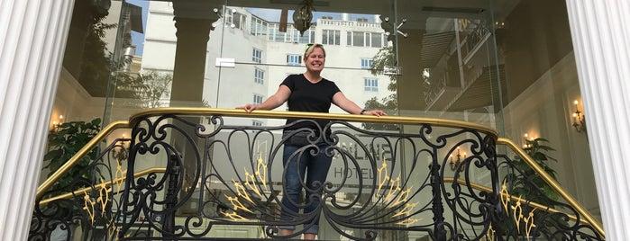 Sunline Hotel is one of Orte, die Szymon gefallen.