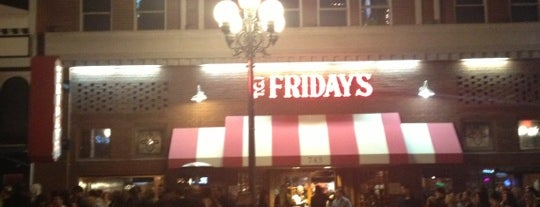 TGI Fridays is one of Locais curtidos por Justin.