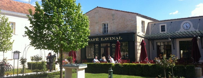 Café Lavinal is one of Locais curtidos por Anapaula.