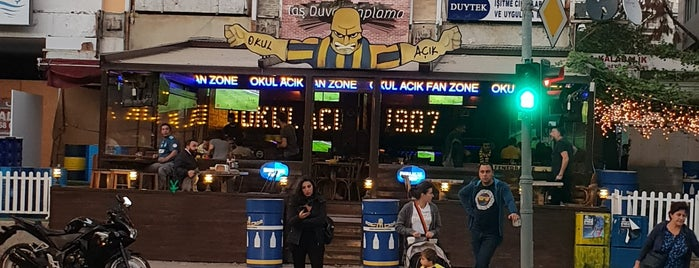 OKUL AÇIK FAN ZONE is one of Posti che sono piaciuti a Bora.