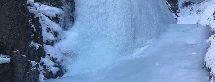 Grotto Canyon is one of Tempat yang Disukai Rich.