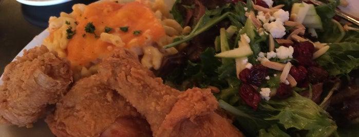 5 Restaurant is one of Lugares favoritos de Lee Ann.
