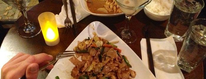Dee Thai Restaurant is one of Georgie : понравившиеся места.