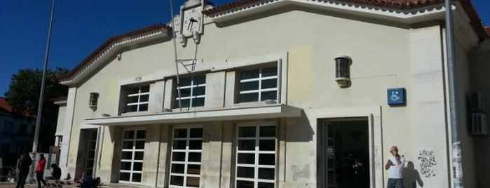 Estação Ferroviária de Cascais is one of Lieux qui ont plu à Elena.