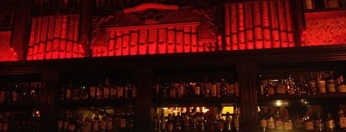 Sally's Irish Pub is one of PUBS.