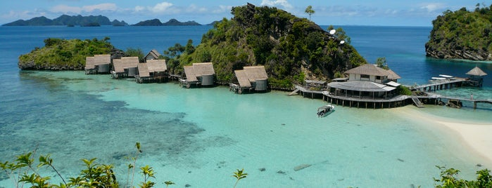 Misool Eco Resort (MER) is one of Scuba Diving Indonesia.