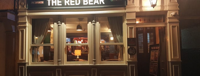 The Red Bear is one of Lieux qui ont plu à Carl.