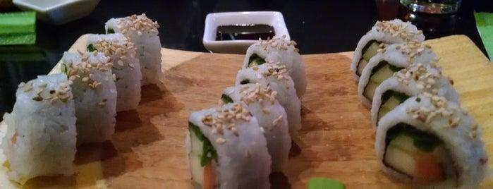 Bambu Asian cuisine & Food is one of Locais curtidos por Fernando.