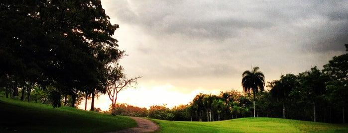 Las Lagunas Golf and Country Club is one of Tempat yang Disukai Claudio.