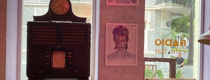 Radio Cafe&Bar is one of Batum.