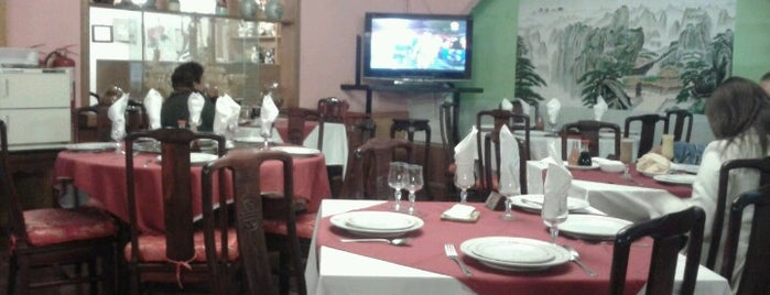 Restaurant Chino Hoi Kong 海港酒家 is one of Luis'in Beğendiği Mekanlar.