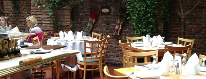 Il Cortile is one of United Miles Dining.