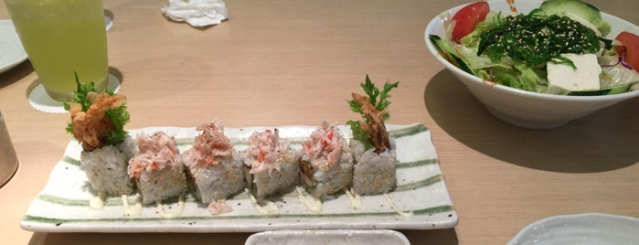 Sushi Zanmai is one of Oksanaさんのお気に入りスポット.