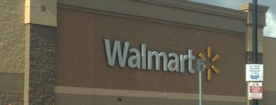 Walmart Supercenter is one of Alexandraさんのお気に入りスポット.