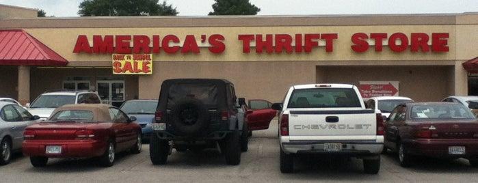 America's Thrift Store is one of Posti che sono piaciuti a Latonia.
