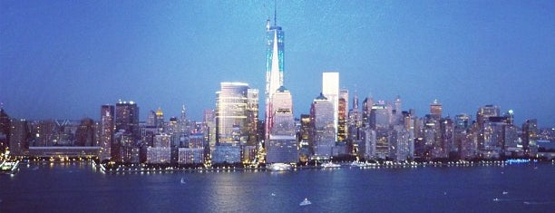 Jersey City Skyline is one of Orte, die Cindy gefallen.