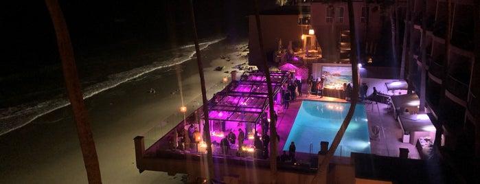 Surf & Sand Poolside is one of Scott'un Beğendiği Mekanlar.