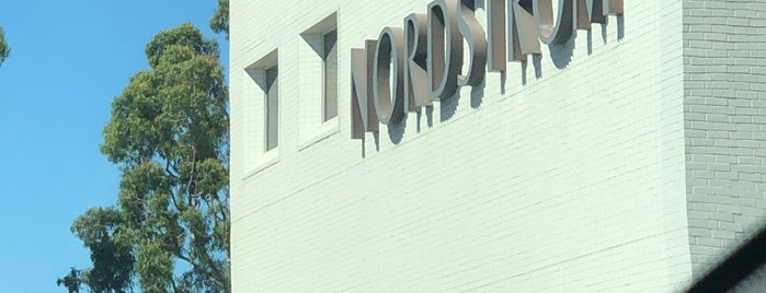 Nordstrom is one of Lugares favoritos de Alberto J S.