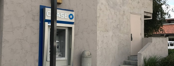 Chase Bank is one of Lugares favoritos de Alicia.