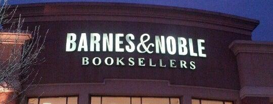 Barnes & Noble is one of Posti che sono piaciuti a Andrew.