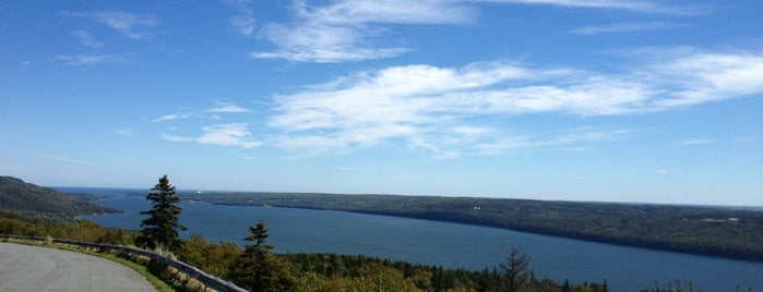 Bras d'Or Lookoff is one of Greg's Liked Places.