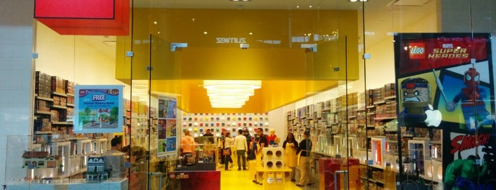 The LEGO Store is one of Edwulf 님이 좋아한 장소.