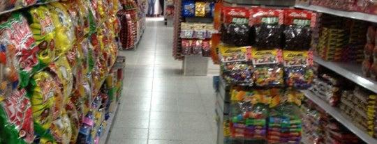 Dulcería Karamelo is one of Shopping.