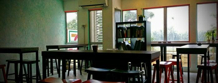 Aratachi Cafe 立新咖啡馆 is one of Coffee.
