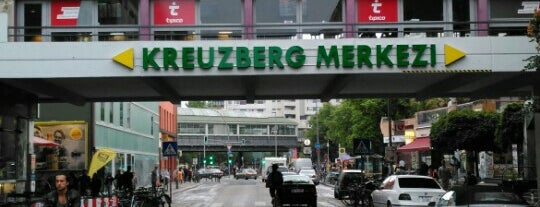 Kreuzberg is one of Orte, die 영 gefallen.