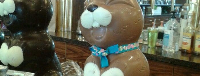Chocolaterie Stam Dubuque is one of Lugares favoritos de Jim.