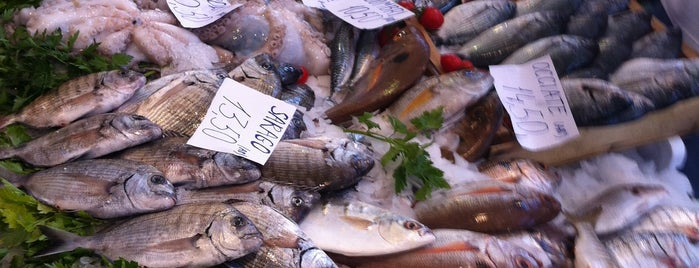 Mercato Del Pesce is one of Orte, die Gino gefallen.