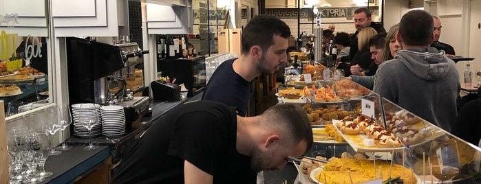 Café Victoria is one of Posti che sono piaciuti a Fernando.