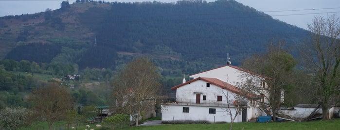 Frantxilla rural is one of Parada Obligatoria 2.