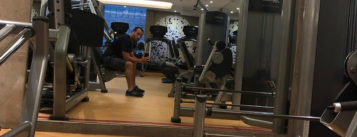 Sheraton Fitness is one of Lieux qui ont plu à Sergio M. 🇲🇽🇧🇷🇱🇷.