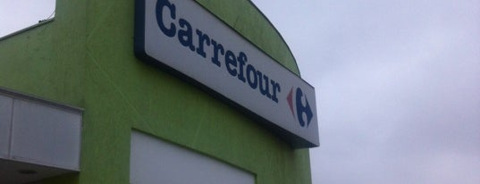 Carrefour is one of Locais curtidos por Luiz.