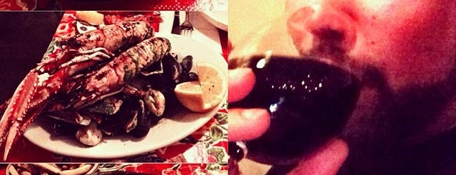 Oysters & Grill is one of Lieux sauvegardés par Marc.