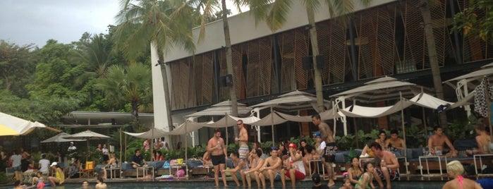 Tanjong Beach Club is one of Singapura.